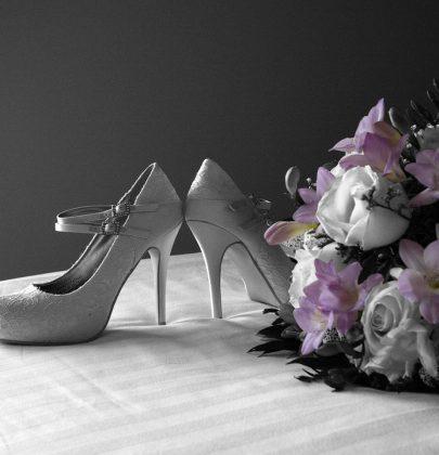Niebanalne ślubne buty hitem sezonu!