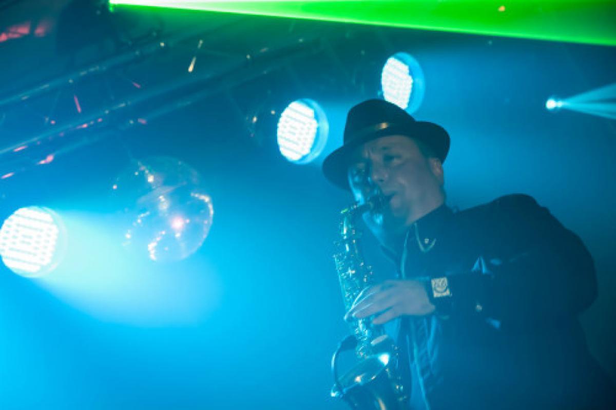 DJ na Wesela + Muzycy (Skrzypce, Saksofon, Bębny, Wokal)