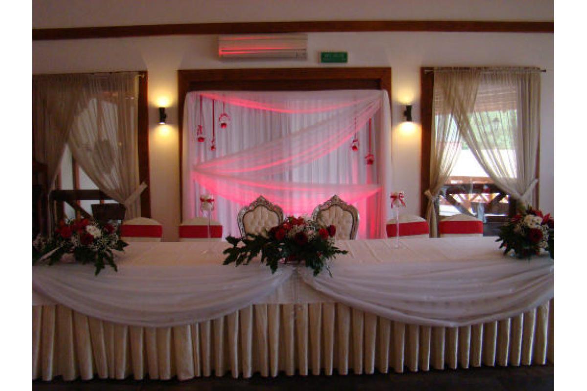 Wyjątkowy wystrój kościoła i sali weselnej