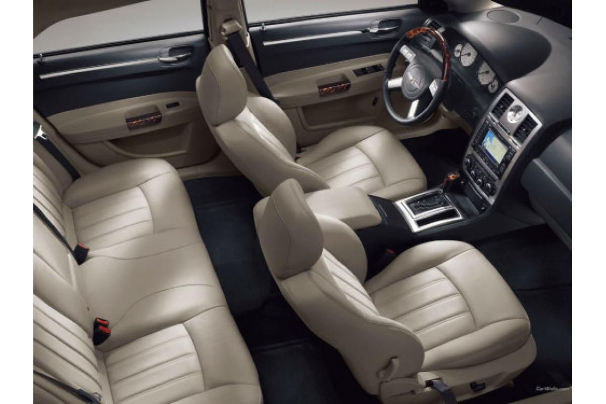 Luksusowa CZARNA LIMUZYNA Chrysler 300C