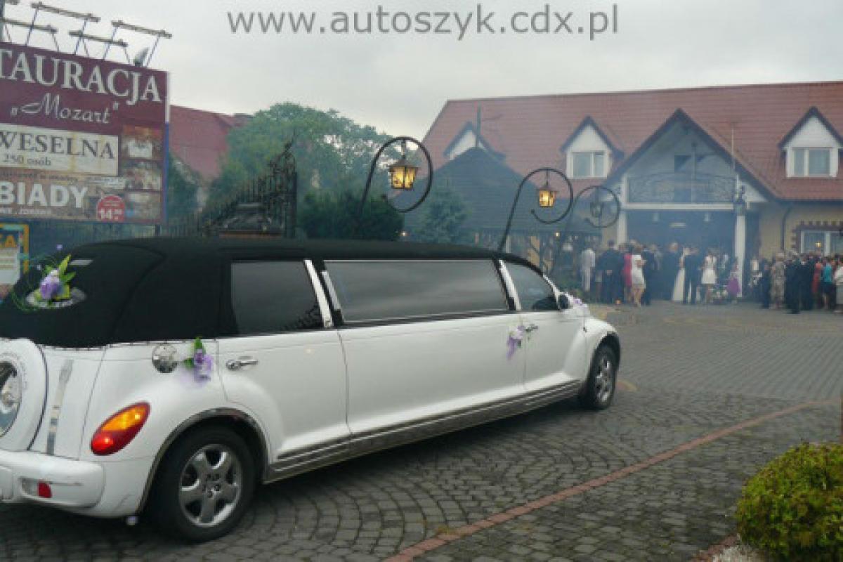 Samochody, limuzyny ślubne