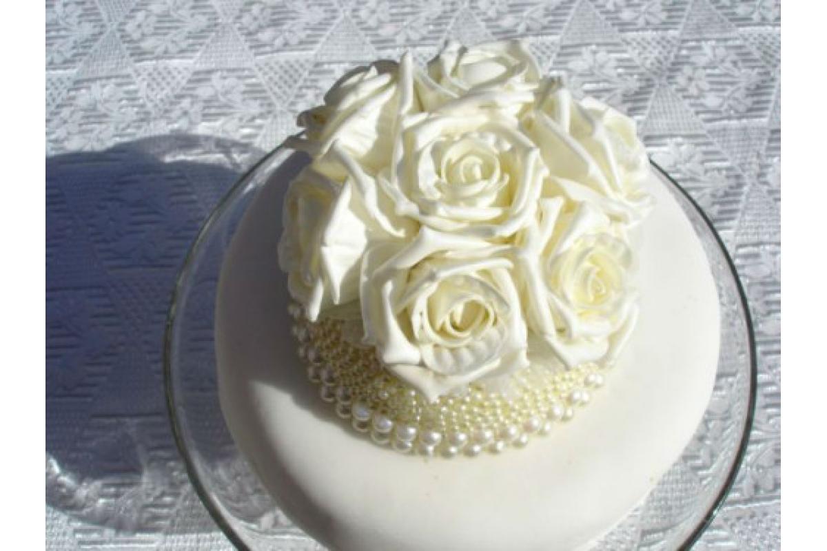 Ciasta na stół, paczki dla gości, torty