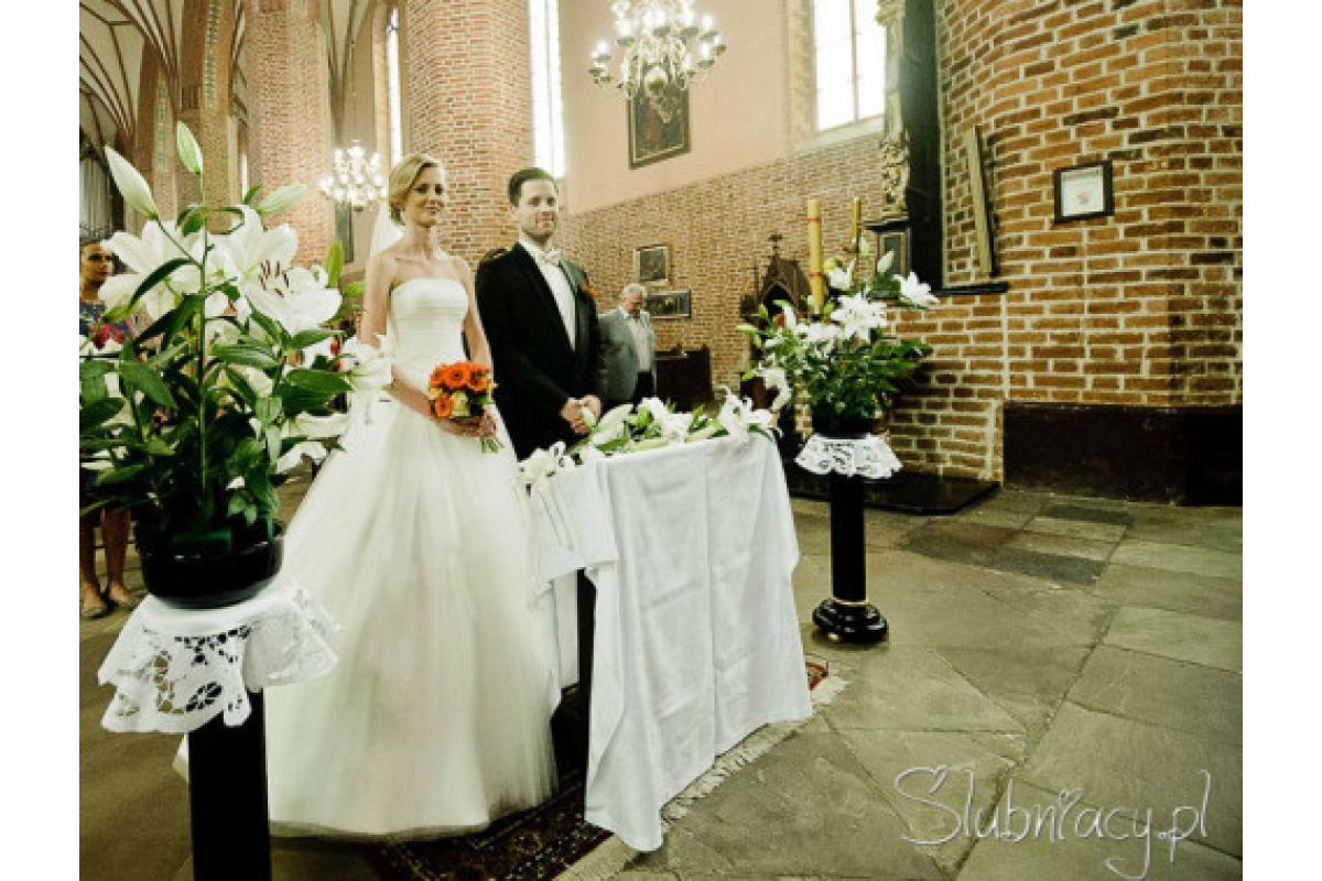 Sprzedam suknię ślubną typu księżniczka Amera Vera rozm. 34, wanilia